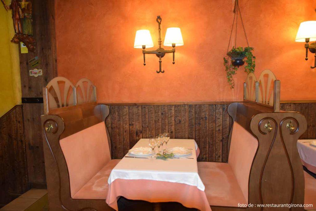 Casa Marieta Restaurant Girona en el centro ideal para comer o cenar cocina tradicional catalana a precios ajustados