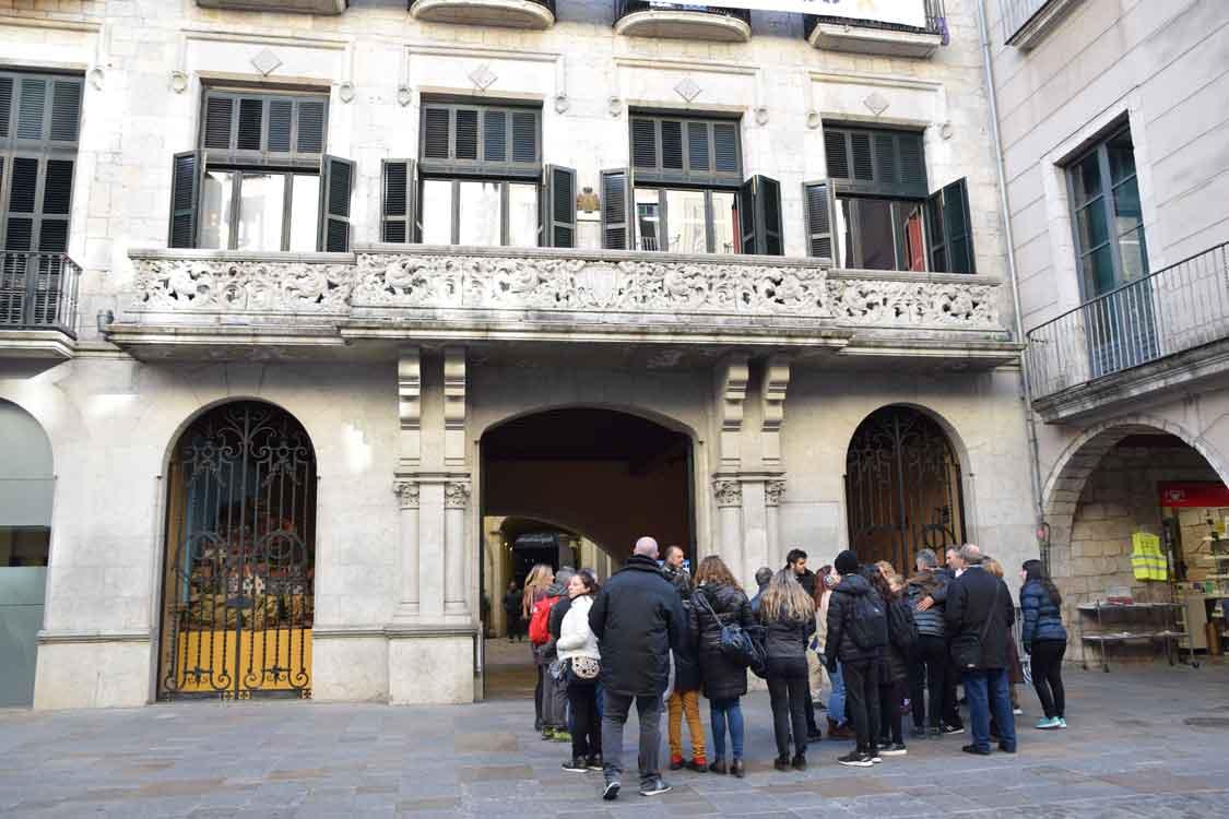Plaza del Ayuntamiento de restaurante en Girona restaurant en Gerona para comer bien comida tradicional catalana