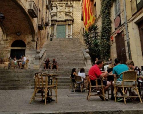 Almorzar en el entorno más bello posible en Le Bistrot
