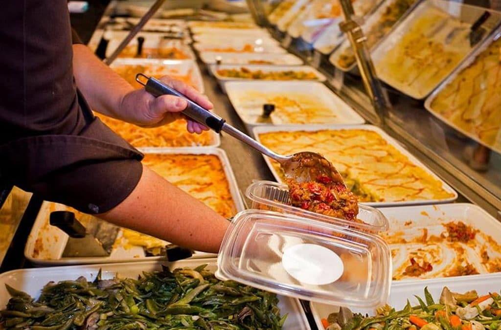 takeaway en los restaurantes y entrega a domicilio